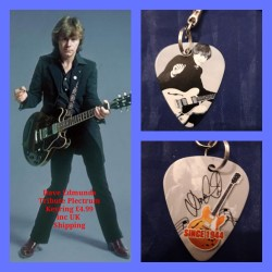 Dave Edmunds Double Sided Tribute Plectrum Keyring