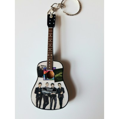 Stereophonics  10cm Wooden Tribute Guitar Key Chain